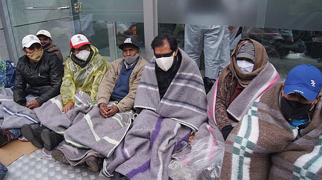 Personas con discapacidad instalan huelga puertas de Casa Grande del Pueblo