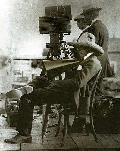 D.W. Griffith - starts at Biograph Studio