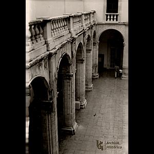 Ceden a la Universidad el antiguo patio jesuita