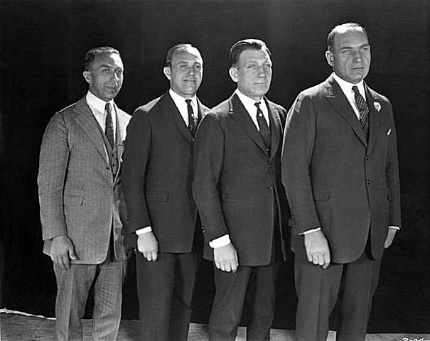 Warner Bros open their first nickelodeon
