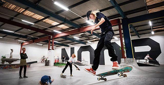 Het eerste indoor Skatepark in Amsterdam de deuren