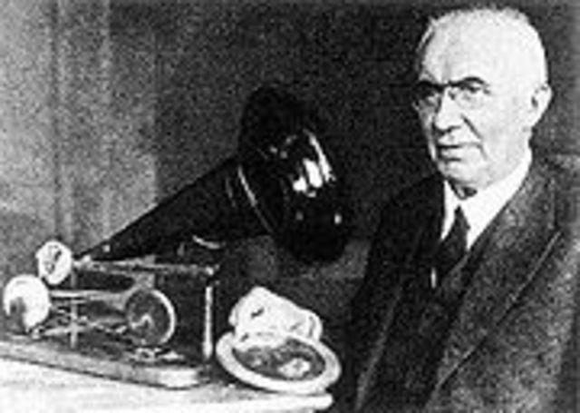 Invenção do Gramofone por Thomas Edison