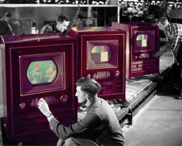 Surge a TV a cores