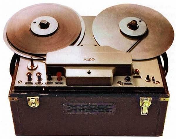 Начало продаж аппаратов магнитной записи