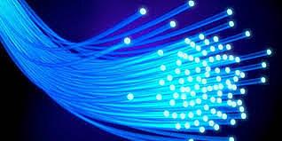 Corning Glass patenta la fibra óptica.