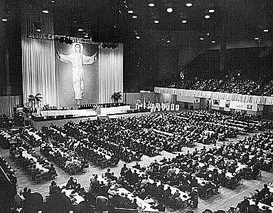"""La conferencia """"Vida y Acción"""" del catolicismo práctico."""