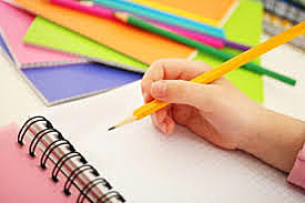 Mis papás me enseñaron para que era el papel y el lápiz.