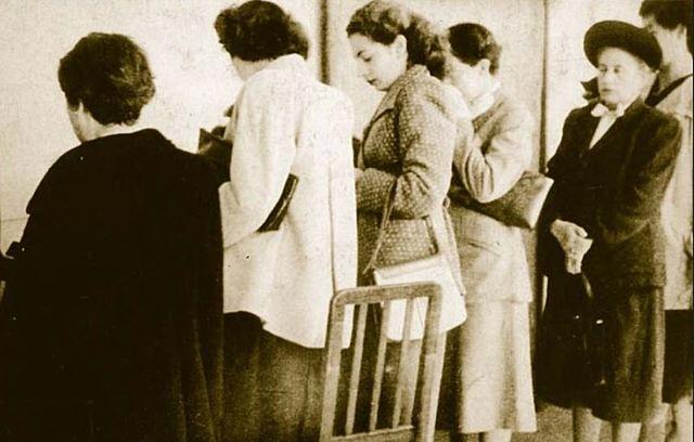 Voto femenino presidencial 1952
