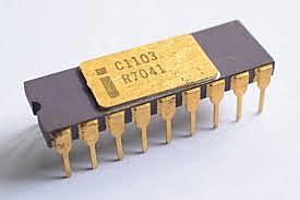 Intel 1103 es el primer chip de memoria dinámica de acceso aleatorio conocido.