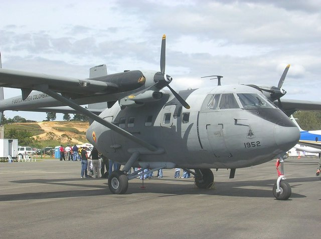 Avión Arava