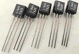 El uso del transistor permite fabricar equipos más pequeños y rápidos