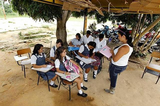 La escuela rural fue la única agencia del desarrollo social en el campo.