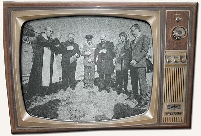 Primeros pasos experimentales en la televisión de la pantalla en blanco y negro.