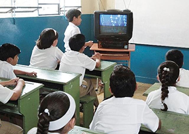 1968 - 1988 La telesecundaria había iniciado con 6 mil jóvenes matriculados y habría 640 escuelas.