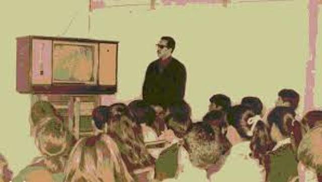 Las labores de Telesecundaria iniciaron formalmente su difusión a nivel nacional.