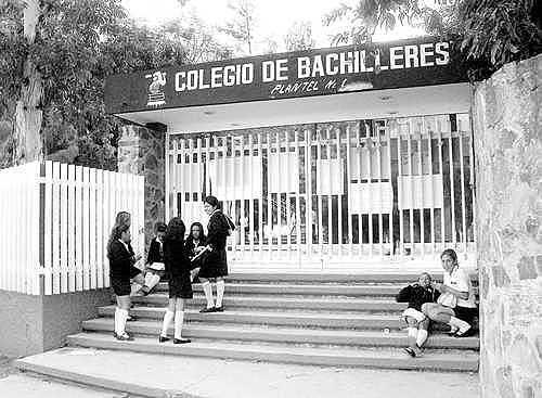 Se crea el Colegio de Bachilleres y la Universidad Autónoma Metropolitana (UAM).