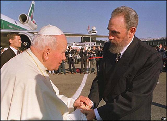 Fidel Castro recibe al Papa