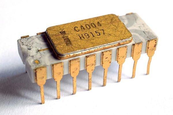 Primer Microprocesador (Intel 4004)