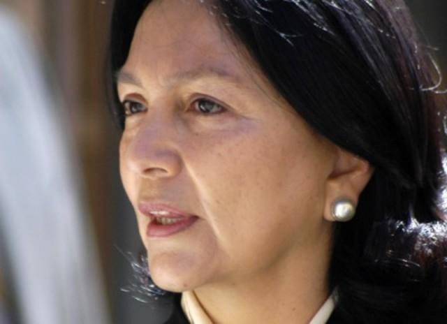 Amalia García gana las elecciones para gobernador por el estado de Zacatecas, siendo la primera mujer en ganar ese puesto para el periodo 2004-2010.