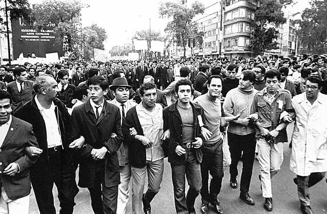 Javier Barros Sierra  pediría la libertad de los presos políticos