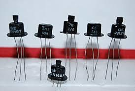 Uso del transistor y fabricación de dispositivos mas pequeños.