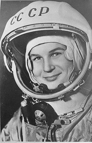 Primera mujer en el espacio