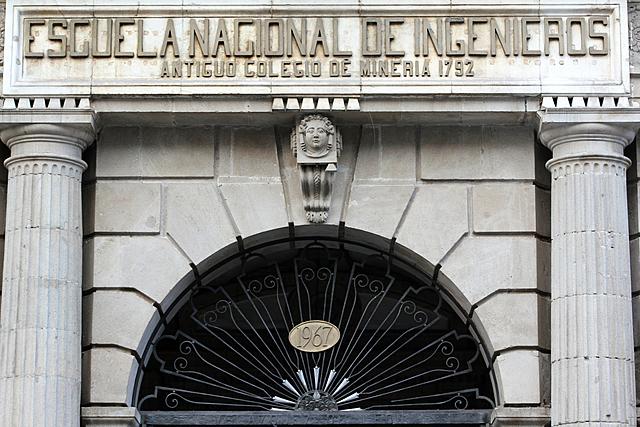 1883 Escuela nacional de Ingenieros