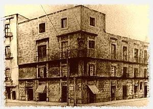 Se fundó la Real y Pontificia Universidad de México.