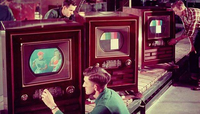 Aparece la televisión a color en EE.UU
