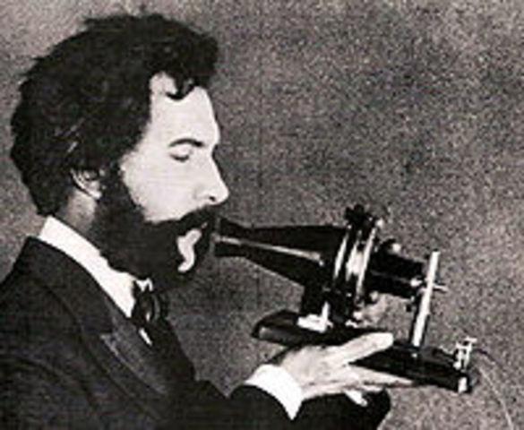 Invencion del telefono por Alexander Graham Bell y Antonio Meucci.