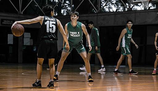 La creación de la academia de Baloncesto.