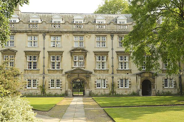 Darwin entra en el Christ College de Cambridge