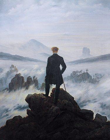Viandante davanti a un mare di nebbia