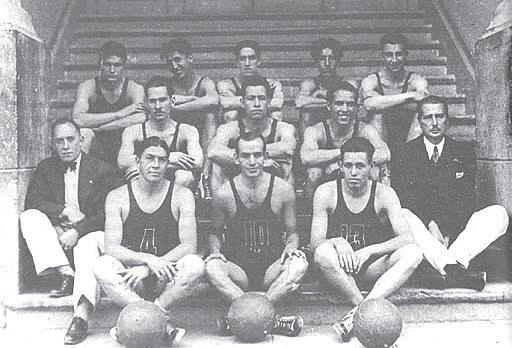 Primera medalla de bronce en baloncesto