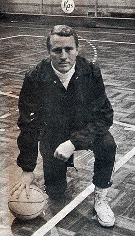 Entrenador Lester Lane