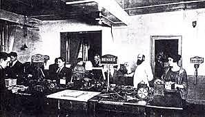 Création de la première agence de presse au monde, l'agence française HAVAS