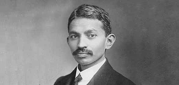 Gandhi becomes a Barrister