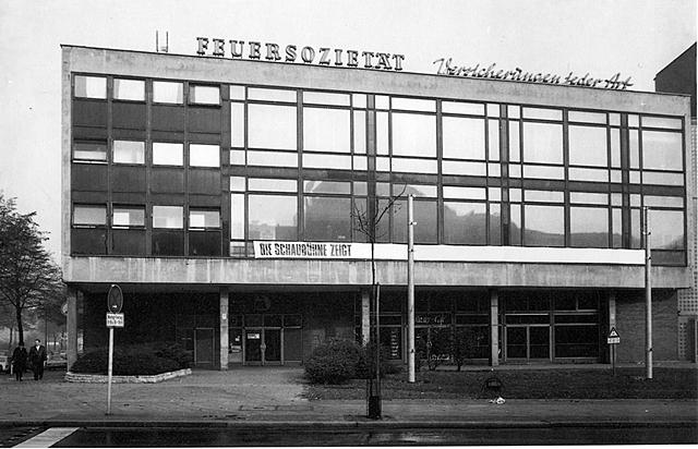 """Gründung der Berliner """"Schaubühne am Hallischen Ufer"""", einem Privattheater mit basisdemokratischem Produktions- und Organisationsmodell"""