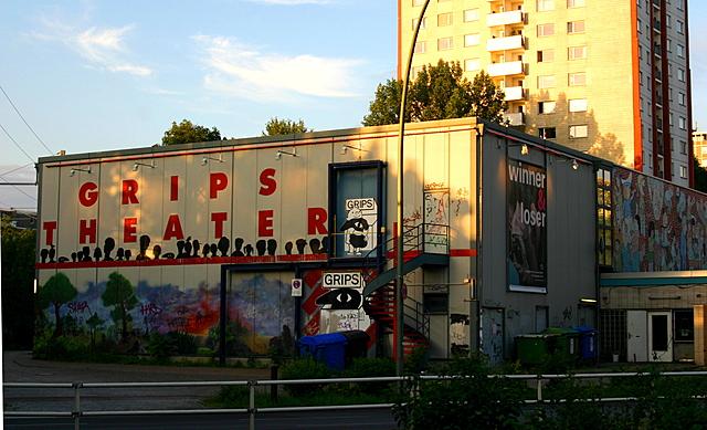 """Gründung des """"Theater für Kinder"""" im Berliner Reichskabarett, seit 1972 """"Grips Theater"""""""