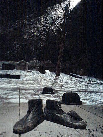 DDR-Erstaufführung von Becketts Warten auf Godot