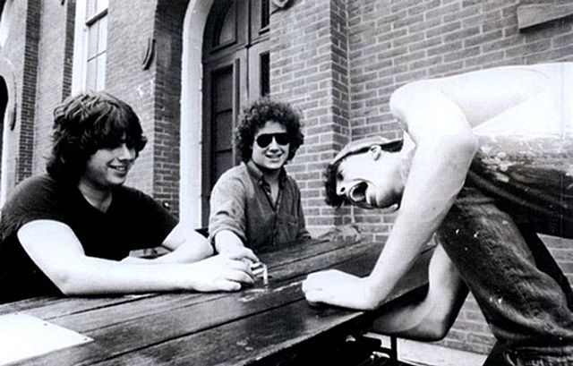 1985-1987 Dave Grohl joins the band Drain Bramage