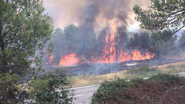 un gran incendi forestal arrasa els boscos de bona part dels termes municipals de Granera, Monistrol de Calders, Mura i Sant Llorenç Savall.
