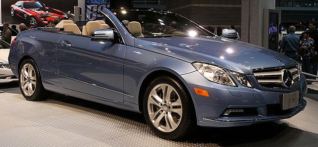 Компания Mercedes-Benz закончила десятилетие выпуском нового Е-класса W212 в начале 2009 года