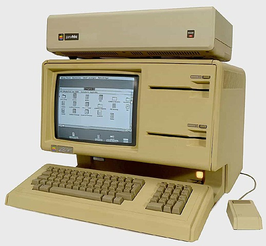 Первый персональный компьютер с графическим интерфейсом пользователя