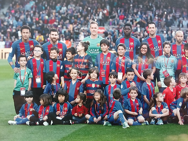 Foto amb el jugadors del Barça