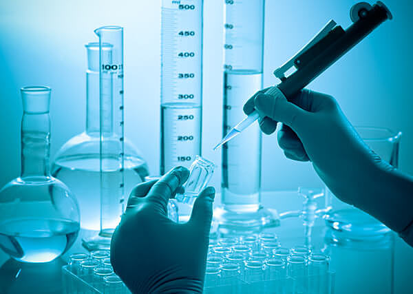 China overtakes the USA in scientific research.