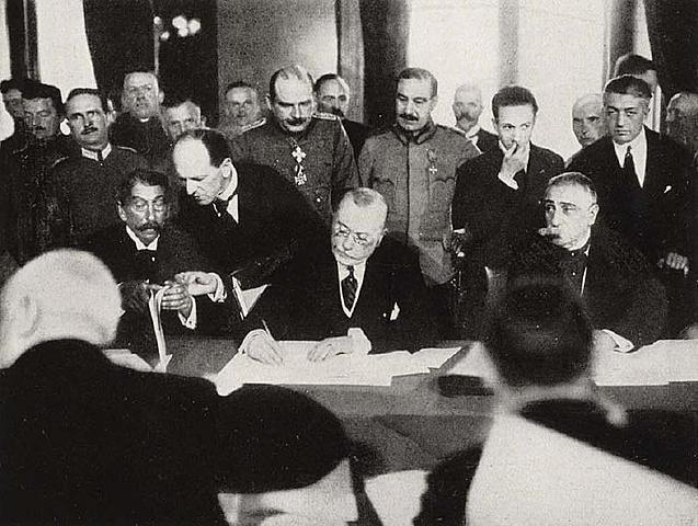 Império Russo sai da guerra