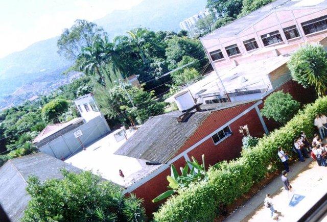 Nuestro colegio en el 2005