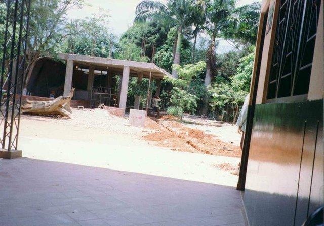 Contrucción de la rectoria y cafeteria.
