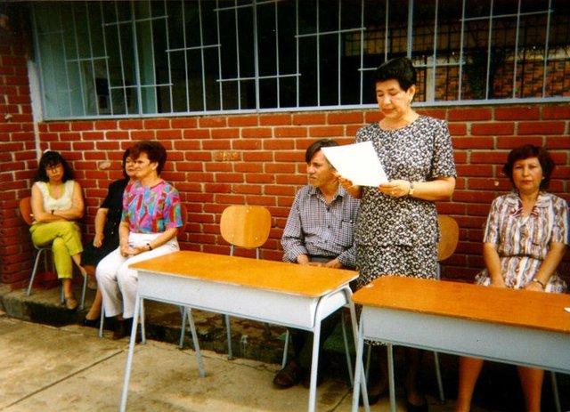 Primera rectora y primeros profesores del colegio.